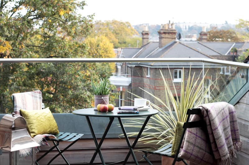 W_37 Hill-View-Loft-View-From-Terrace-20-The-Barons-Luxury-Serviced-Apartments-Richmond,-Twickenham,-South-West-London,-TW1