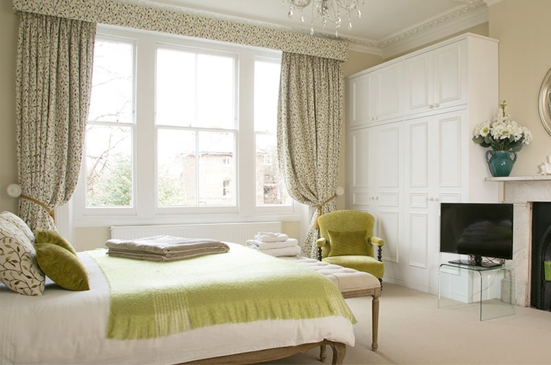 W-21 The-Crescent-Apartment-Master-Bedroom-Superking-Bed-20-The-Barons-Luxury-Serviced-Apartments-Richmond,-Twickenham,-South-West-London,-TW1