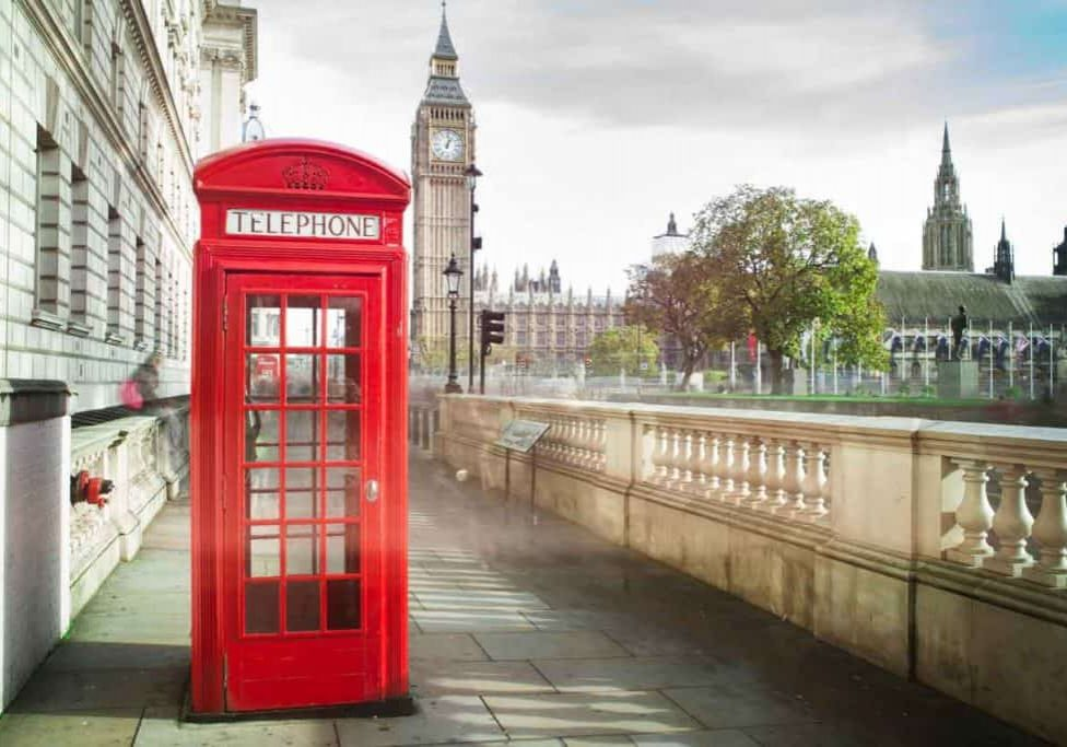 london-telephone-box